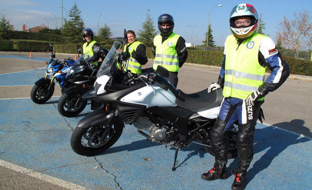 Escuela Suzuki de conduccion para motos