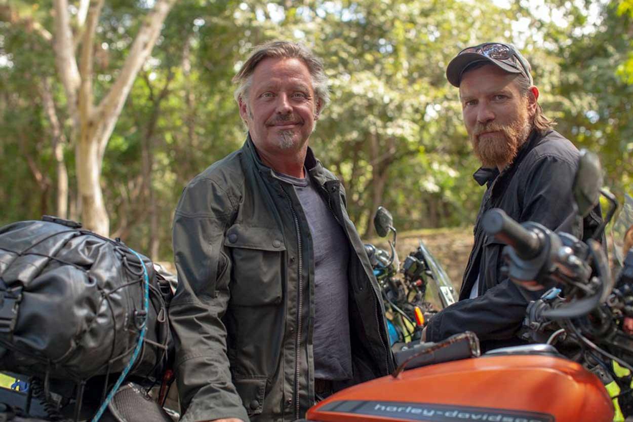 Ewan McGregor y Charley Boorman en su nuevo viaje en moto eléctrica
