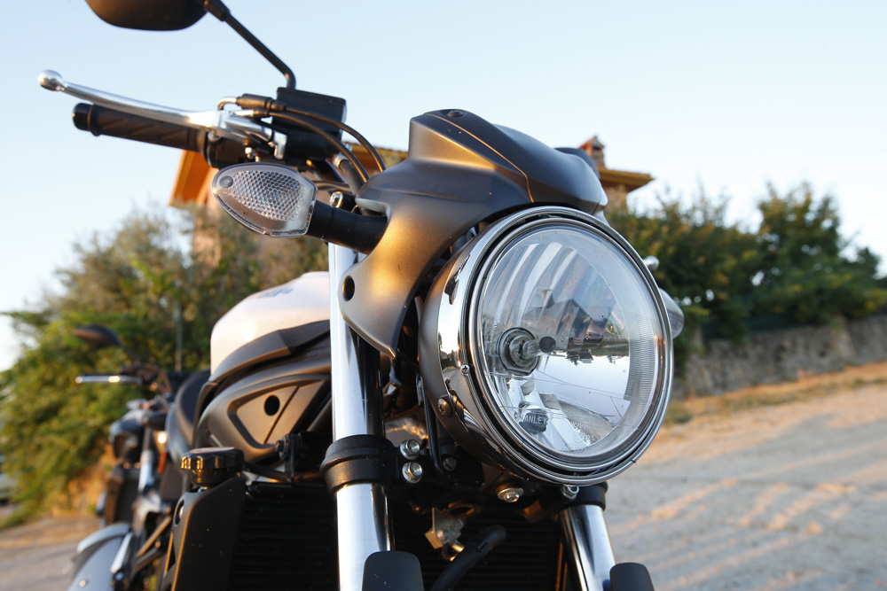 Frontal SV650