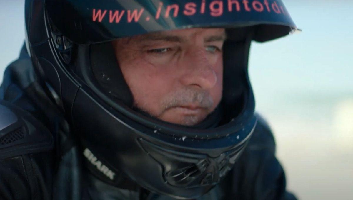 Una historia de superación: piloto invidente a 266 km/h