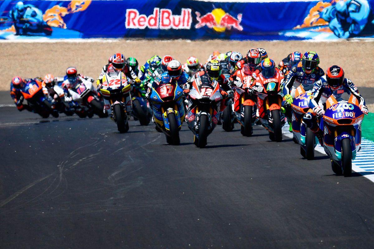 Augusto Fernández tuvo opciones a la victoria en Moto2 en el GP de España