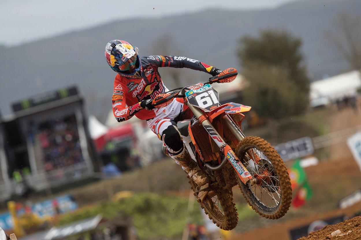 Jorge Prado logró el doblete de victorias en el GP de Portugal MX2