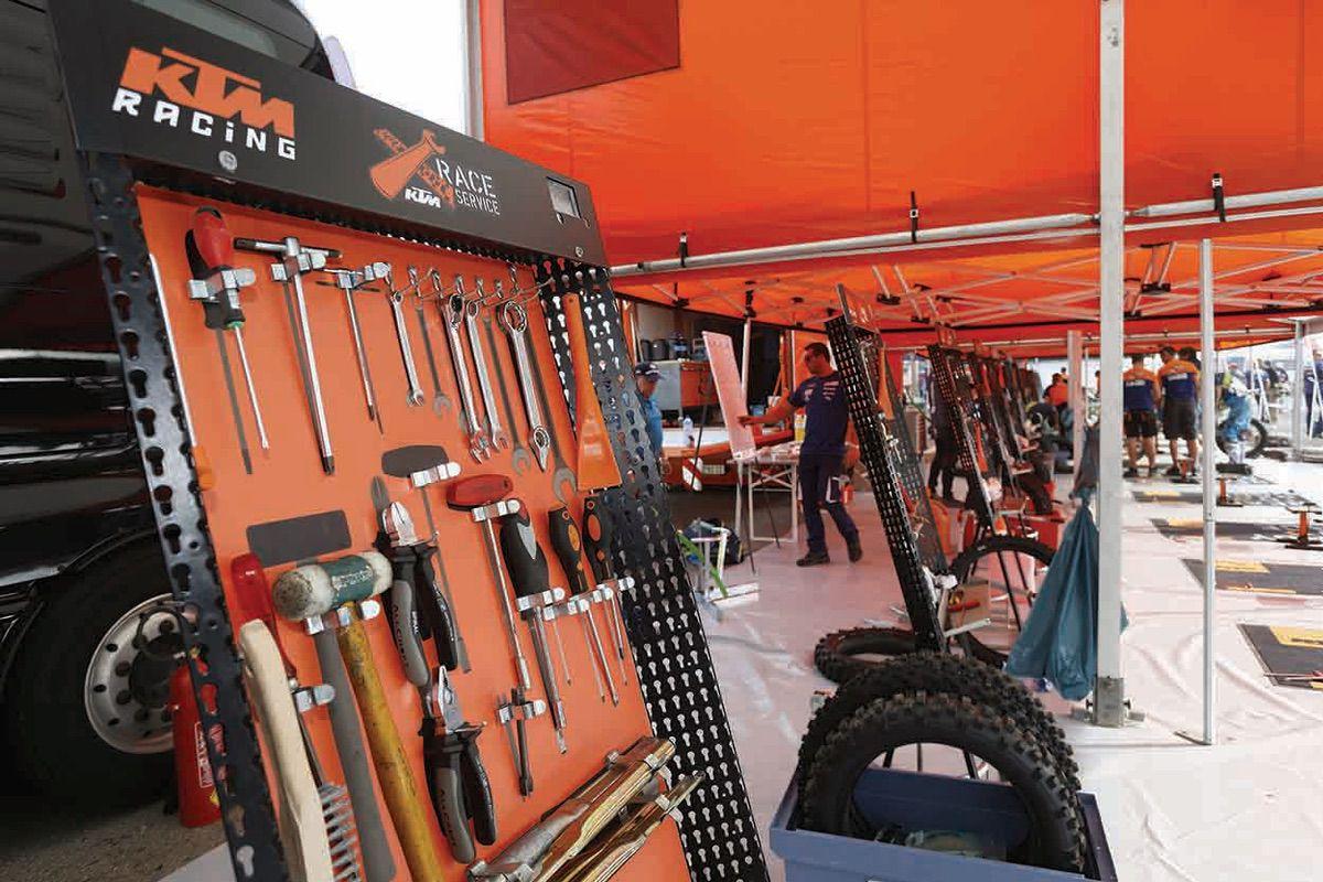 KTM Race Service