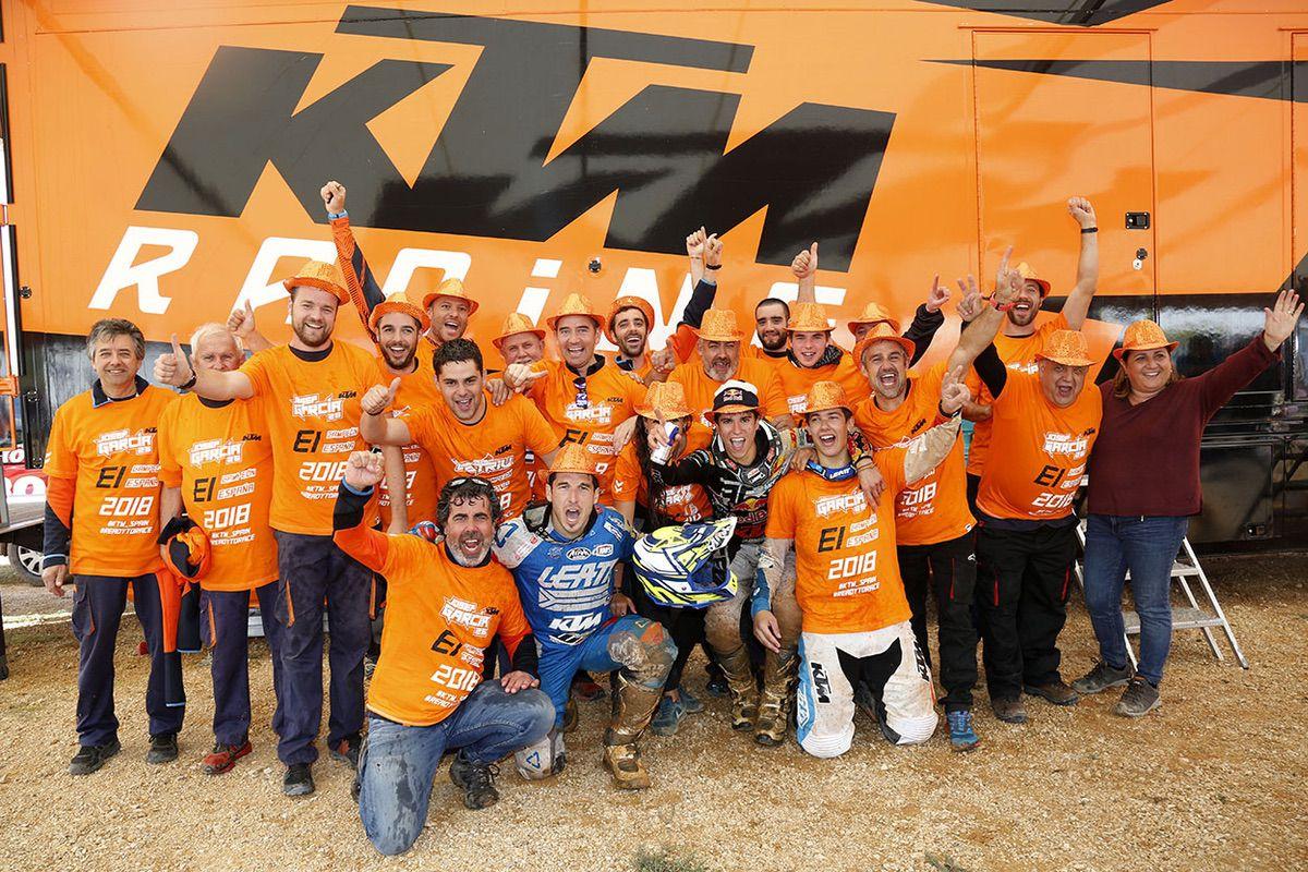 Celebración equipo KTM 2018