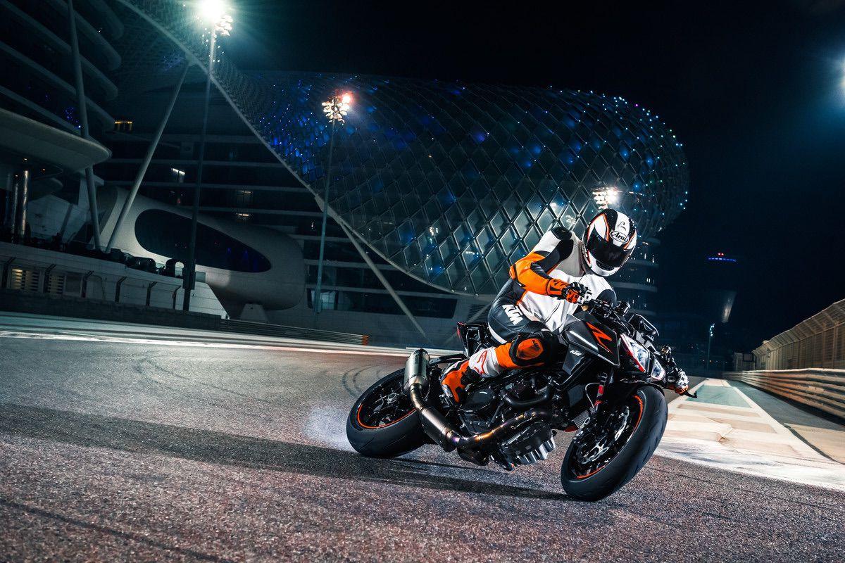 como usar el freno trasero en moto