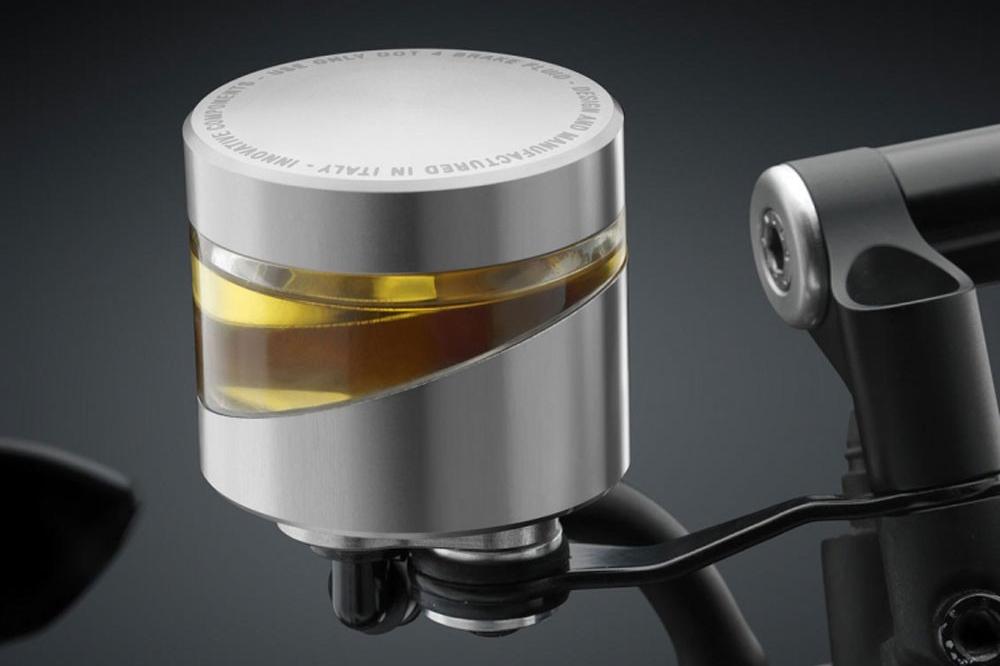 Deposito líquido de frenos de la moto