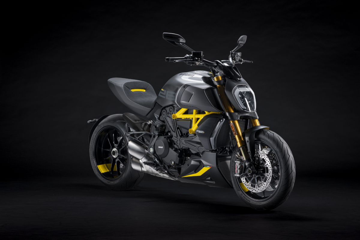 """Ducati lanza la versión """"Black and Steel"""" para la Diavel 1260 S"""