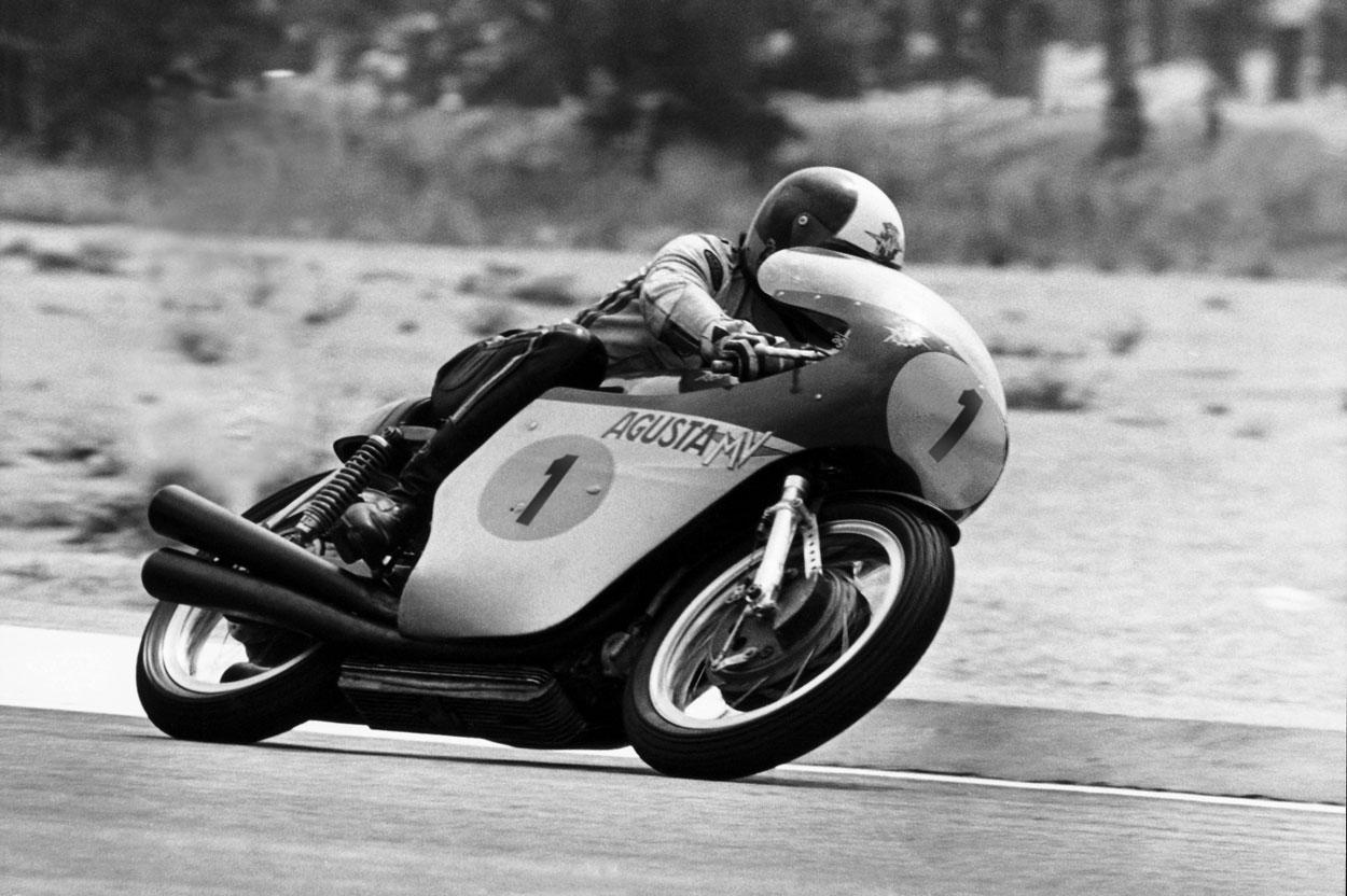 Giacomo Agostini con MV Agusta