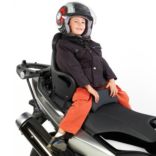 Elementos de seguridad para niños en moto