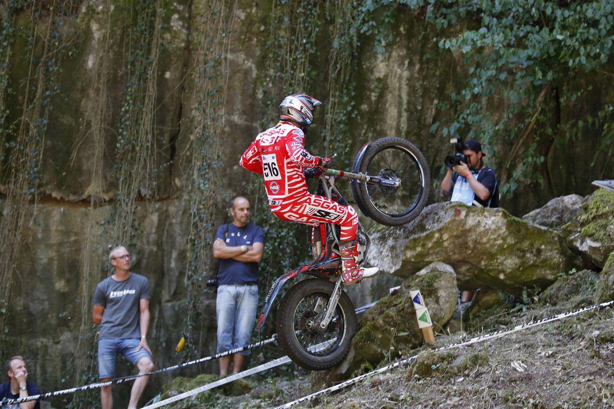 Loris Gubian en la prueba de Bélgica donde logró el título de Campeón del Mundo de Trial con motos eléctricas