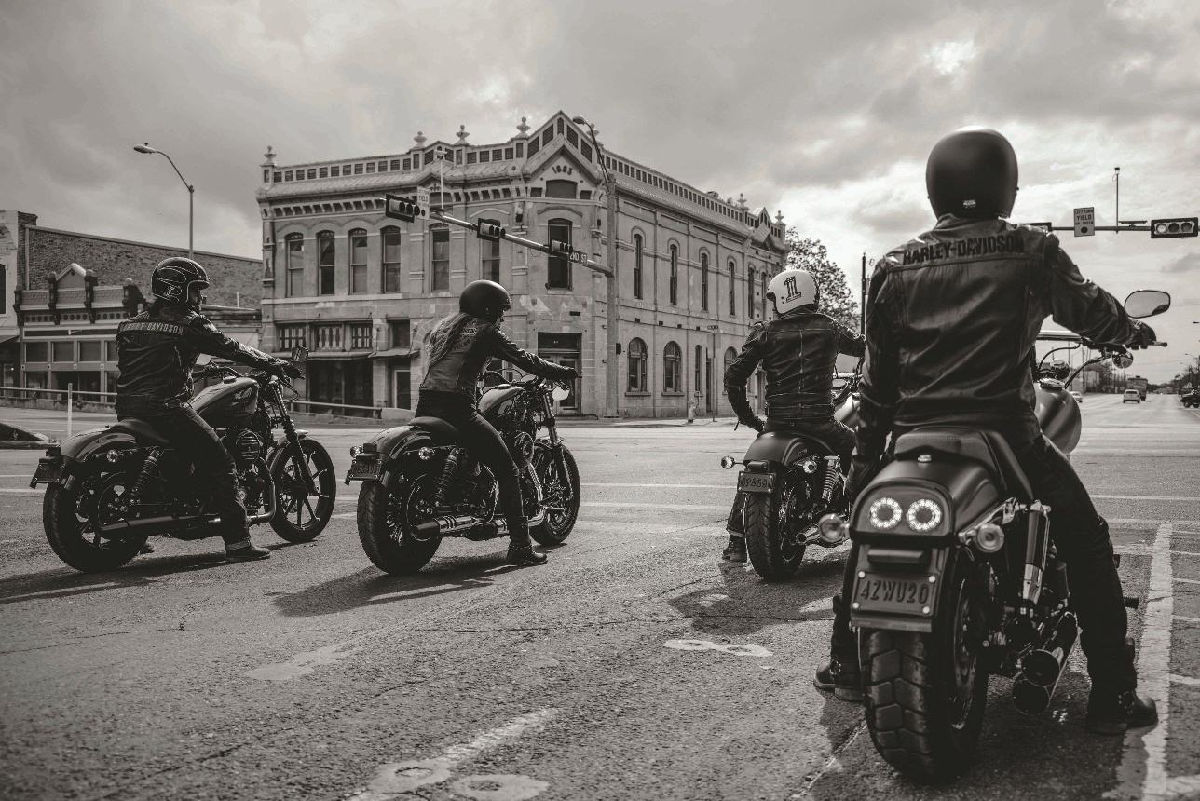 Harley Davidson Dark Custom