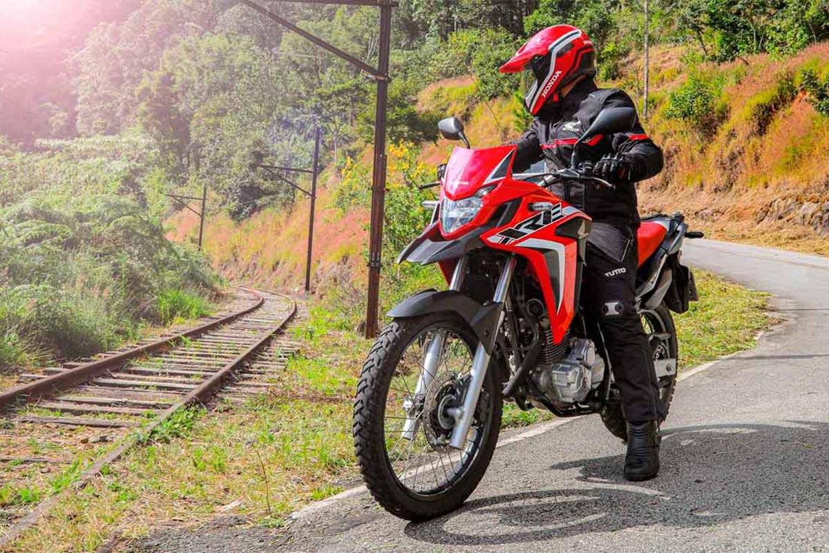 Honda XRE 300, trail económica de carnet A2 ¿llegará aquí?