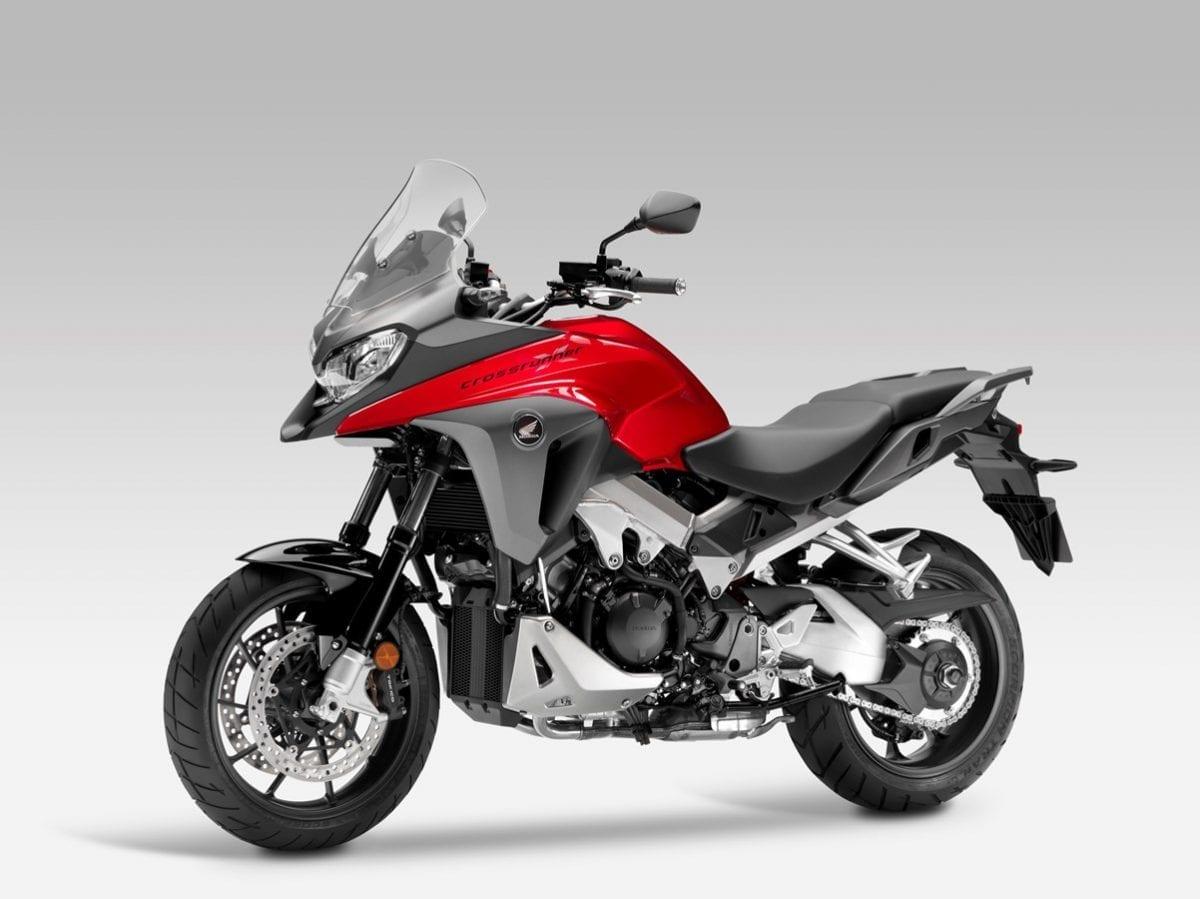 """Habrá una Honda NT1100 """"Deauville"""" en 2022 y será trail crossover"""