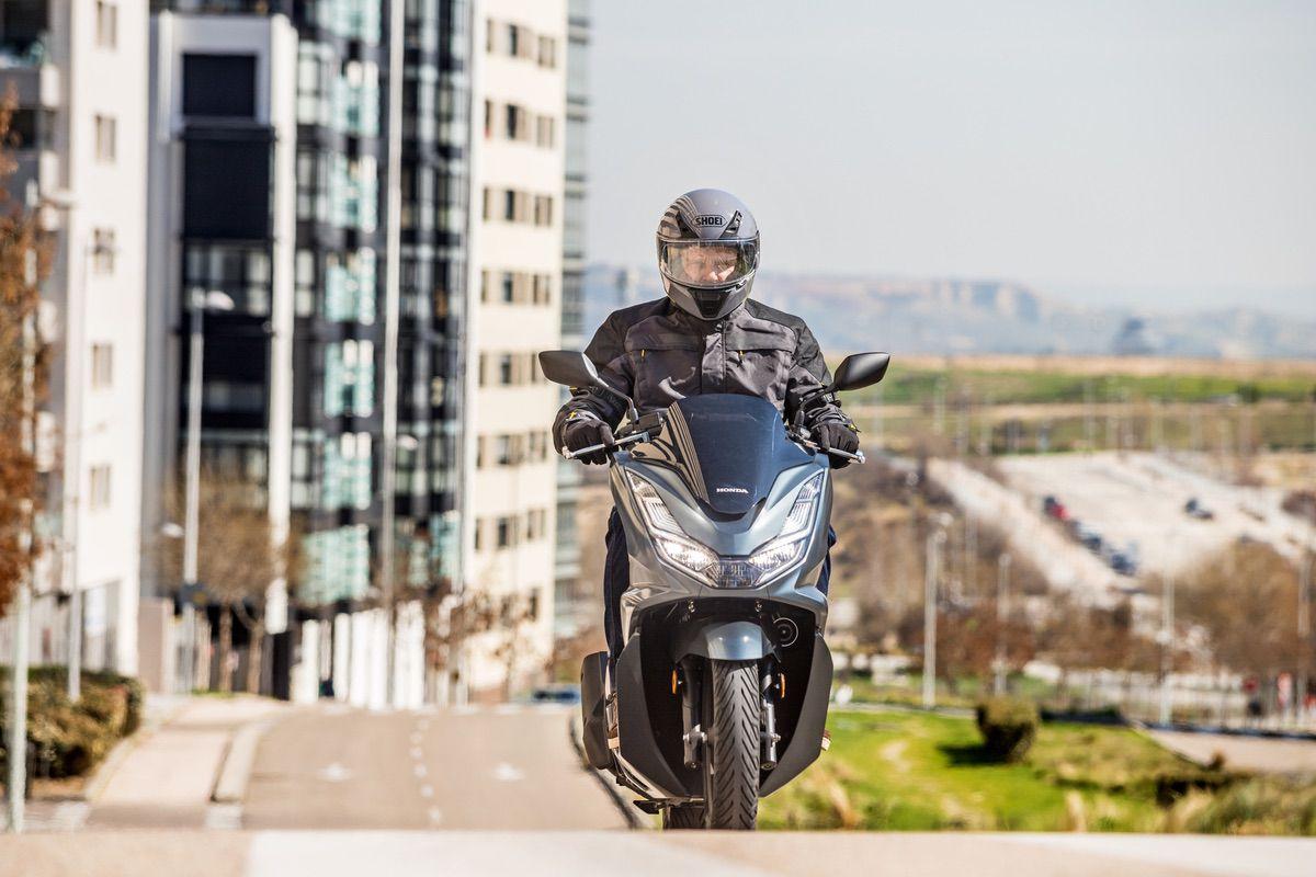 Planes y rutas en moto a prueba de restricciones