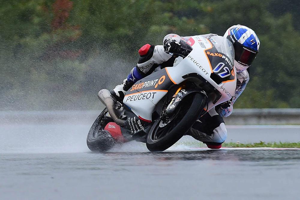 John McPhee logra la victoria en el GP de Republica Checa con Peugeot