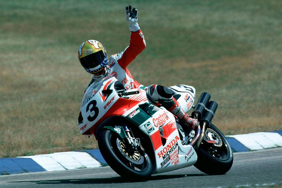 John Kocinski con la Honda RC45
