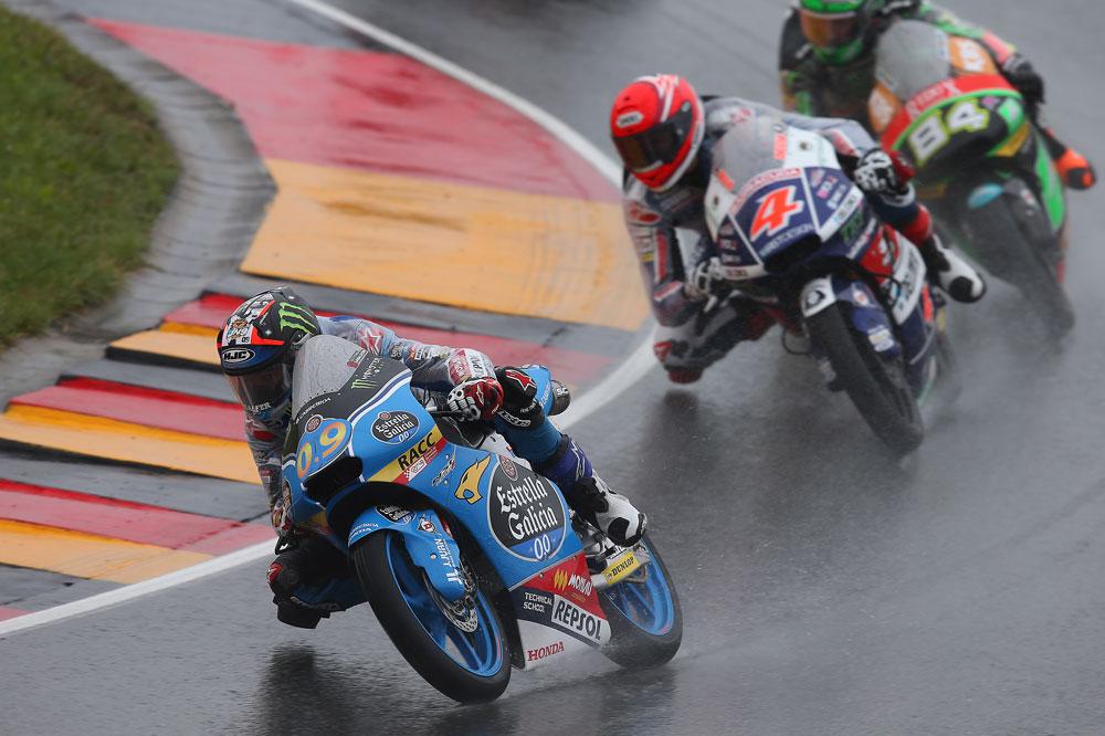 Jorge Navarro, por delante de Binder en el GP de Alemania