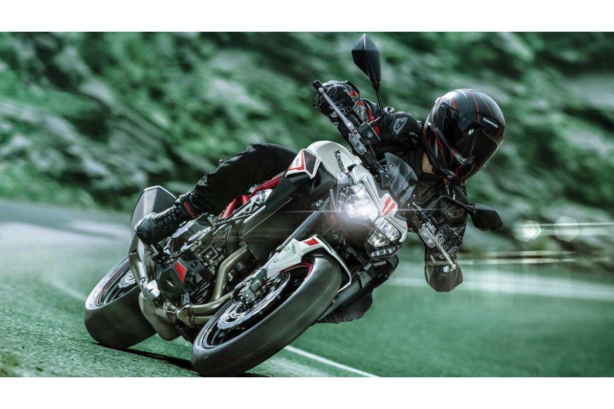 Kawasaki Z900 2022, nuevos colores para la superventas