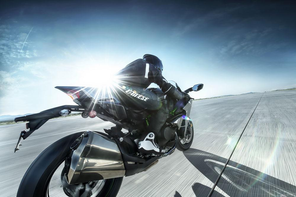 Kawasaki desarrollará motos inteligentes