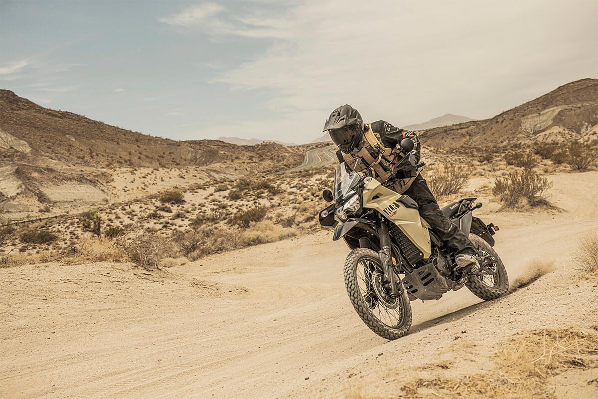 La nueva Kawasaki KLR650 2022 ya rueda... ¿Llegará aquí?