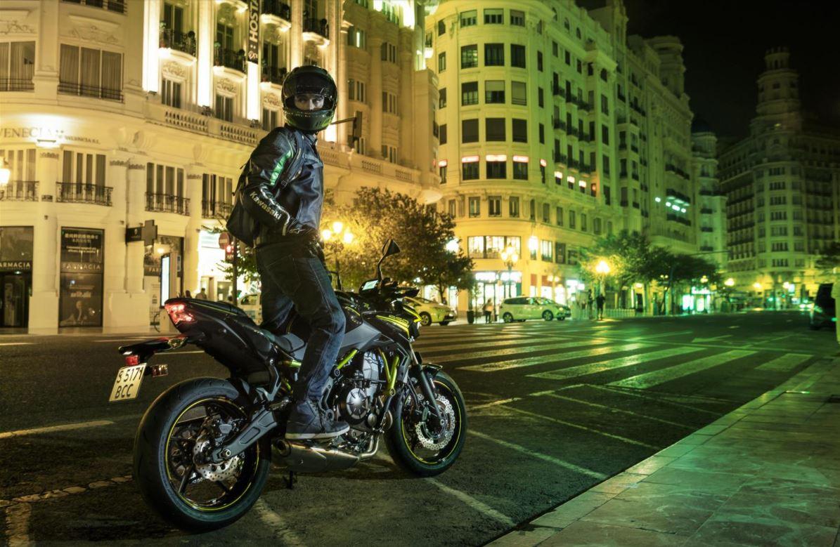 Las 10 motos naked más bajitas para el A2