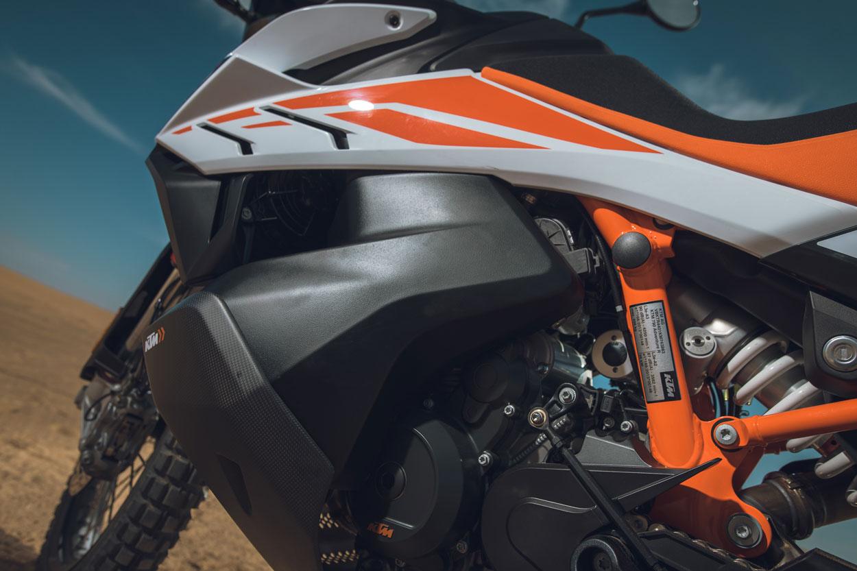 Depósito del combustible de la KTM 790 Adventure R