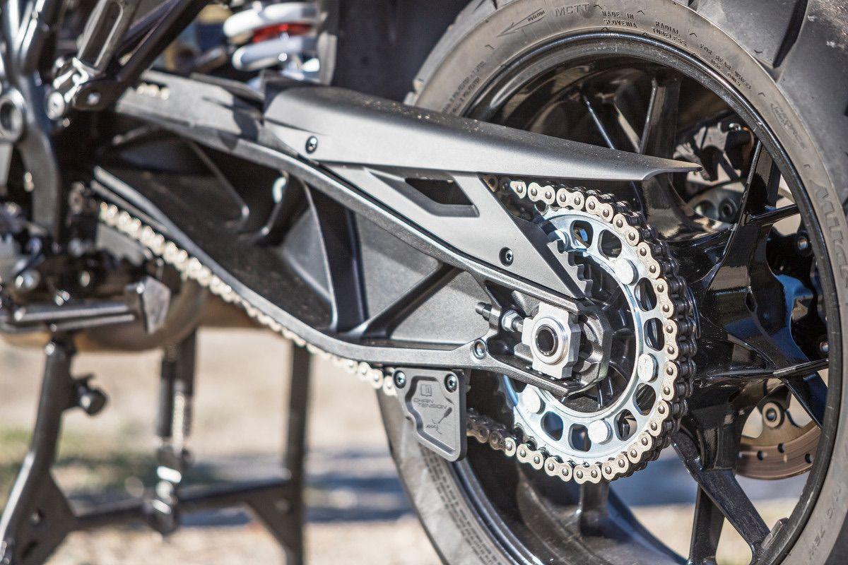 KTM 1290 S basculante y cadena