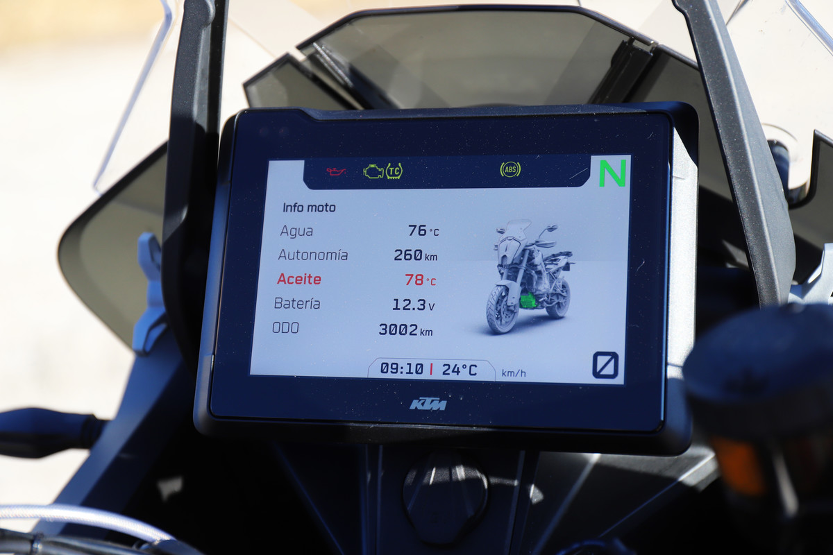 KTM 1290 S menú con los datos de la moto