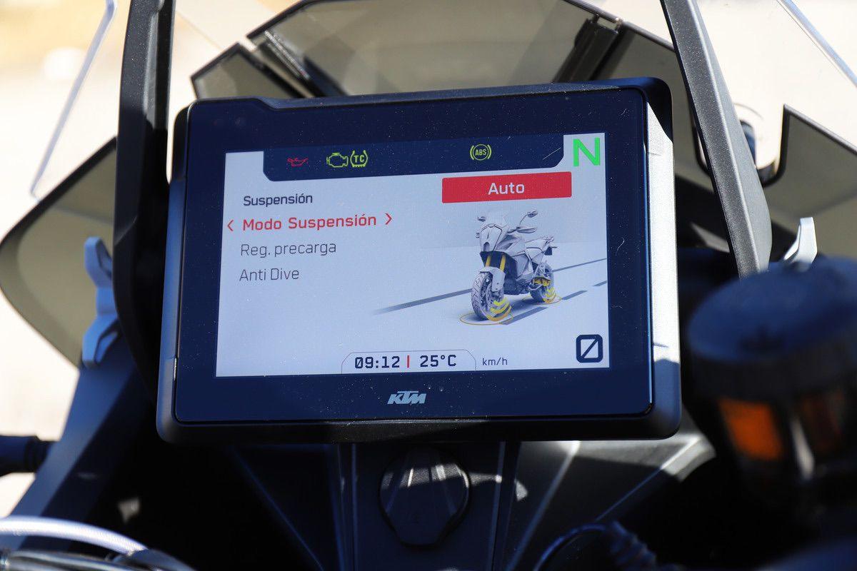 KTM 1290 S suspensiones inteligentes