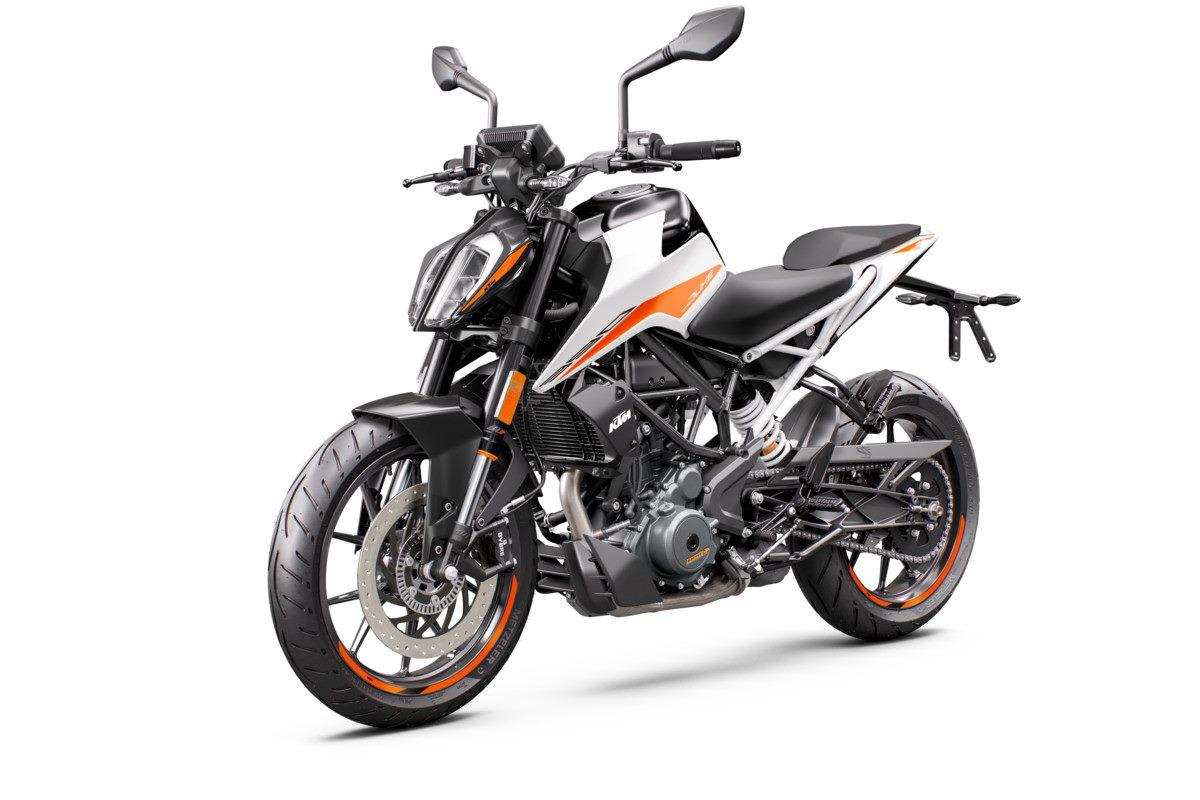 Nueva KTM 390 Duke 2021 blanco