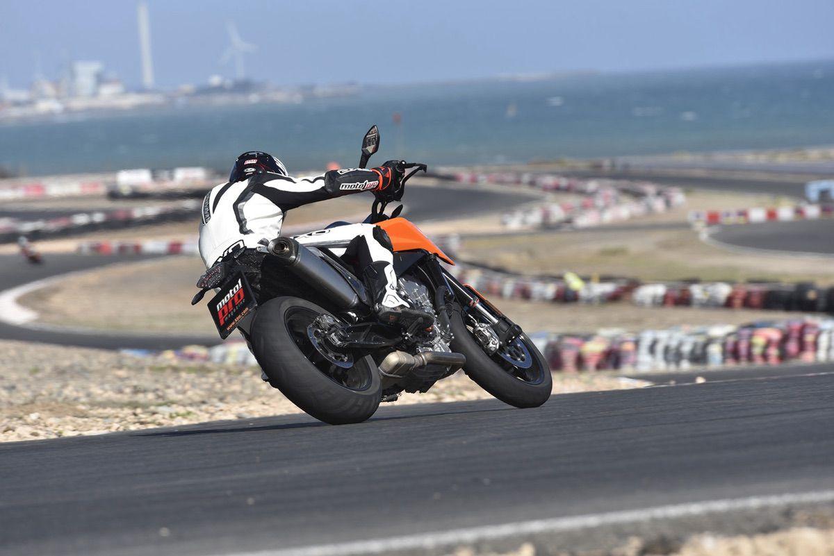 KTM Duke 790 circuito maspalomas