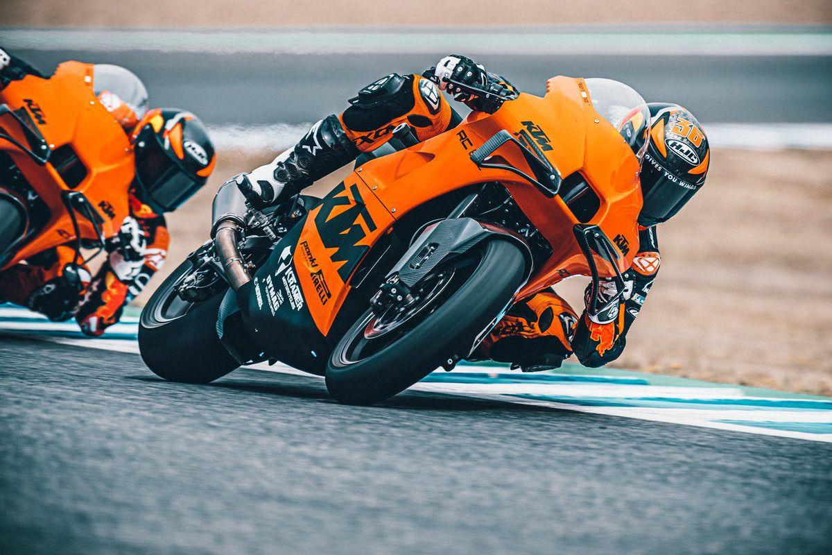 """Nueva KTM RC 8C: una """"Moto2"""" de 128 CV y 140 kg para circuito"""