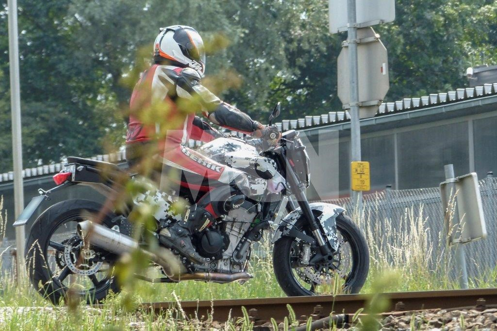 KTM 800 Duke con motor bicilíndrico en paralelo