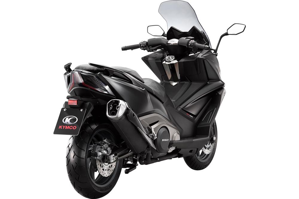 http://www.moto1pro.com/actualidad/kymco-ak-550-directo-hacia-la-categoria-maxi-scooter