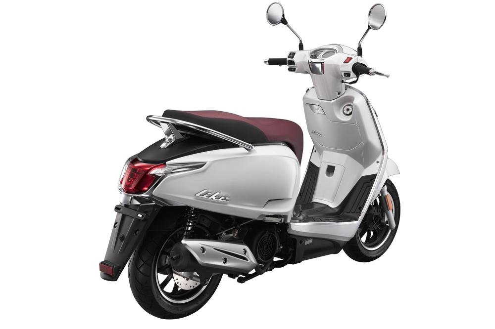 los mejores scooter 2017 moto1pro. Black Bedroom Furniture Sets. Home Design Ideas