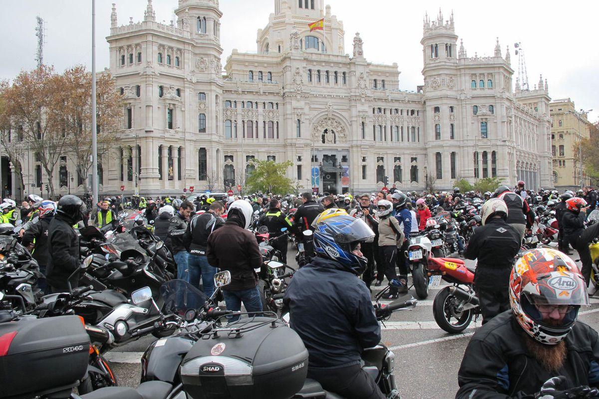 Manifestación de motos en Madrid