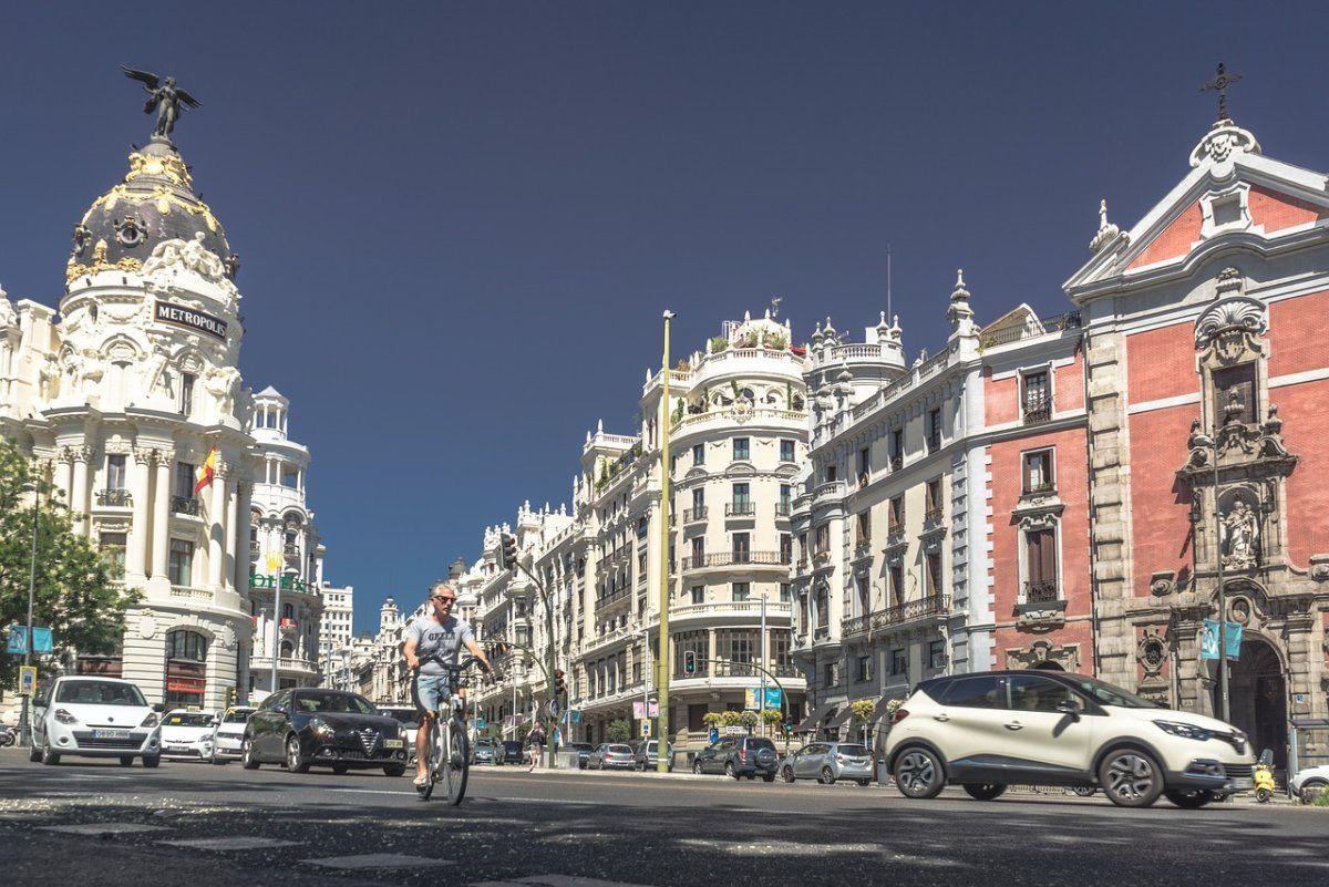 Encuesta: Qué piensas de las limitaciones a las motos en Barcelona o Madrid