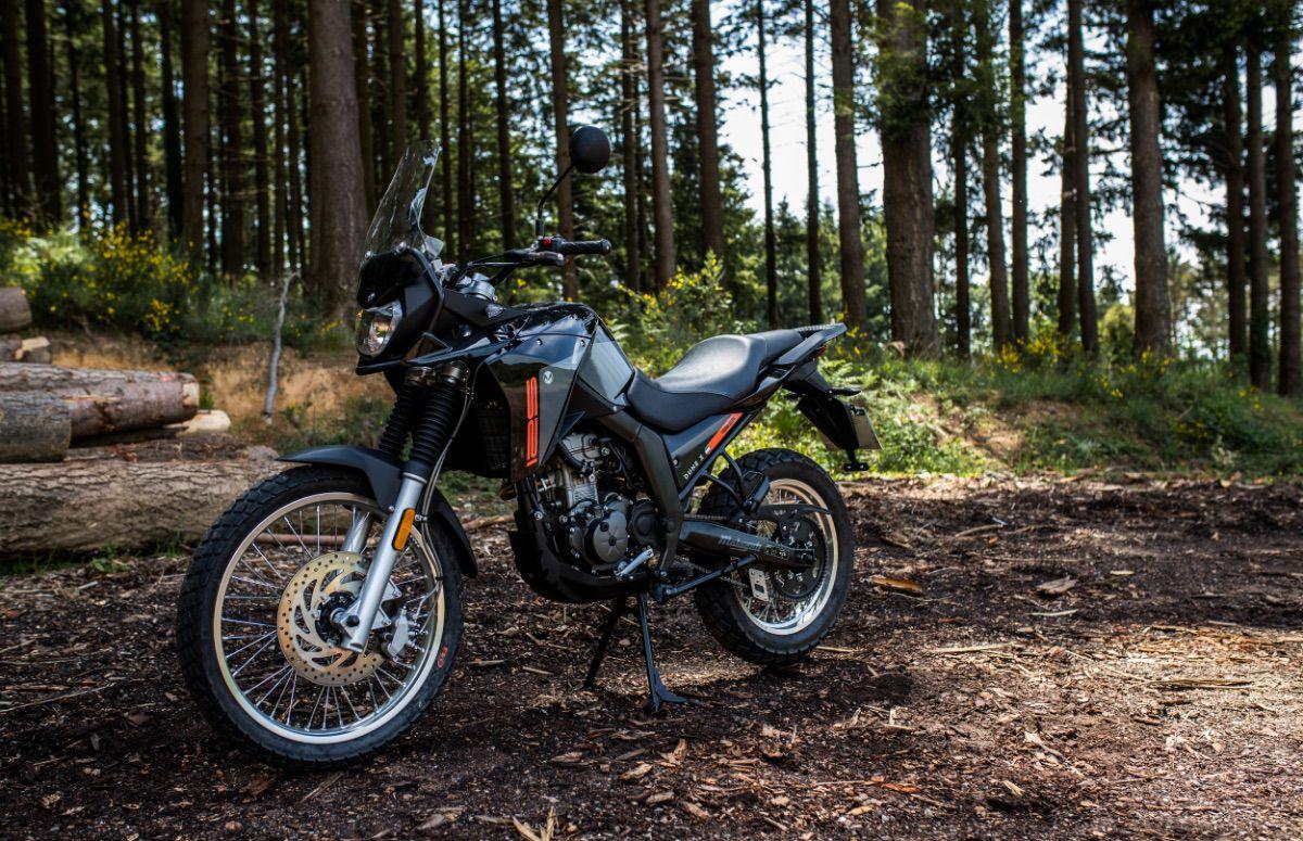 Malaguti DuneX125: la trail sin carnet ya cumple con la Euro5