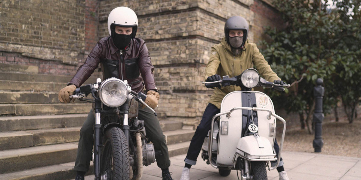Usar mascarilla en moto