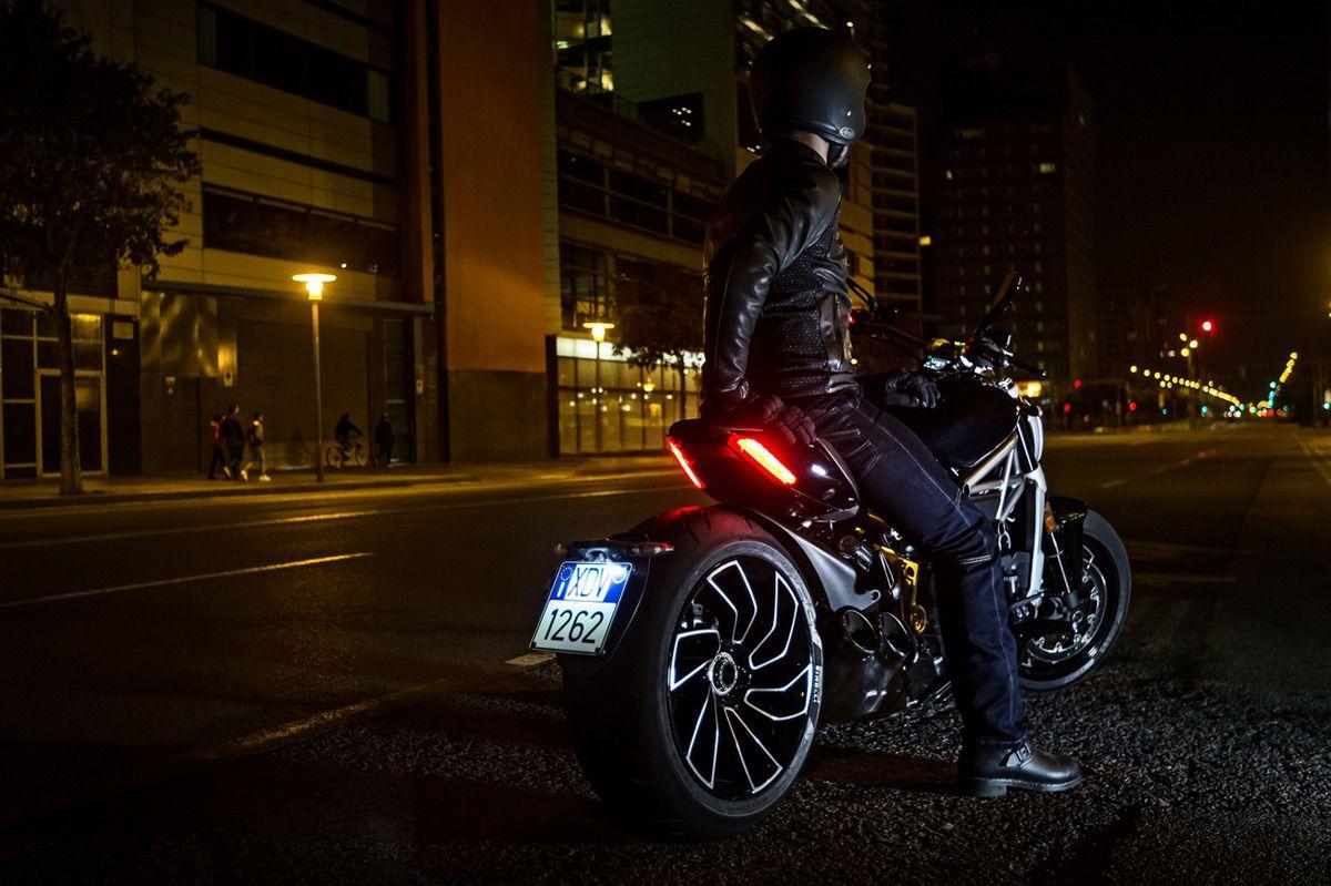 La posición de la matricula de la moto puede ser un factor a tener en cuenta para pasar la ITV