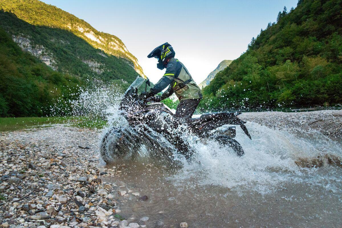 Nuevo equipamiento de Alpinestars para urbanitas y aventureros
