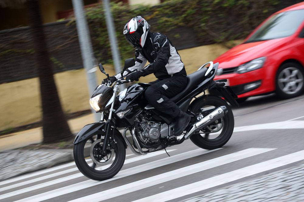 Cómo evitar los 5 accidentes en moto más comunes en ciudad