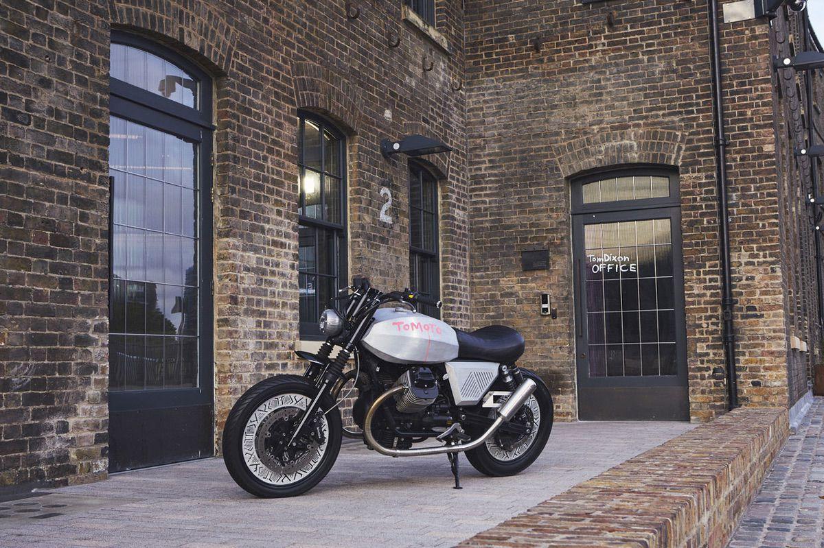 Moto Guzzi V7 personalizada por Tom Dixon