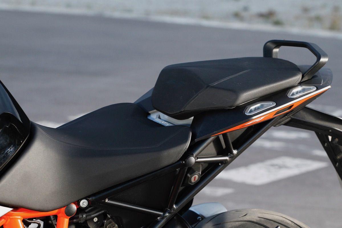 moto ktm 1290 Super Duke GT asiento