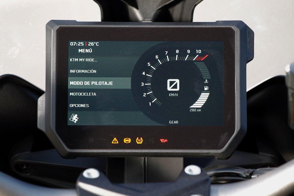 moto ktm 1290 Super Duke GT instrumentacion