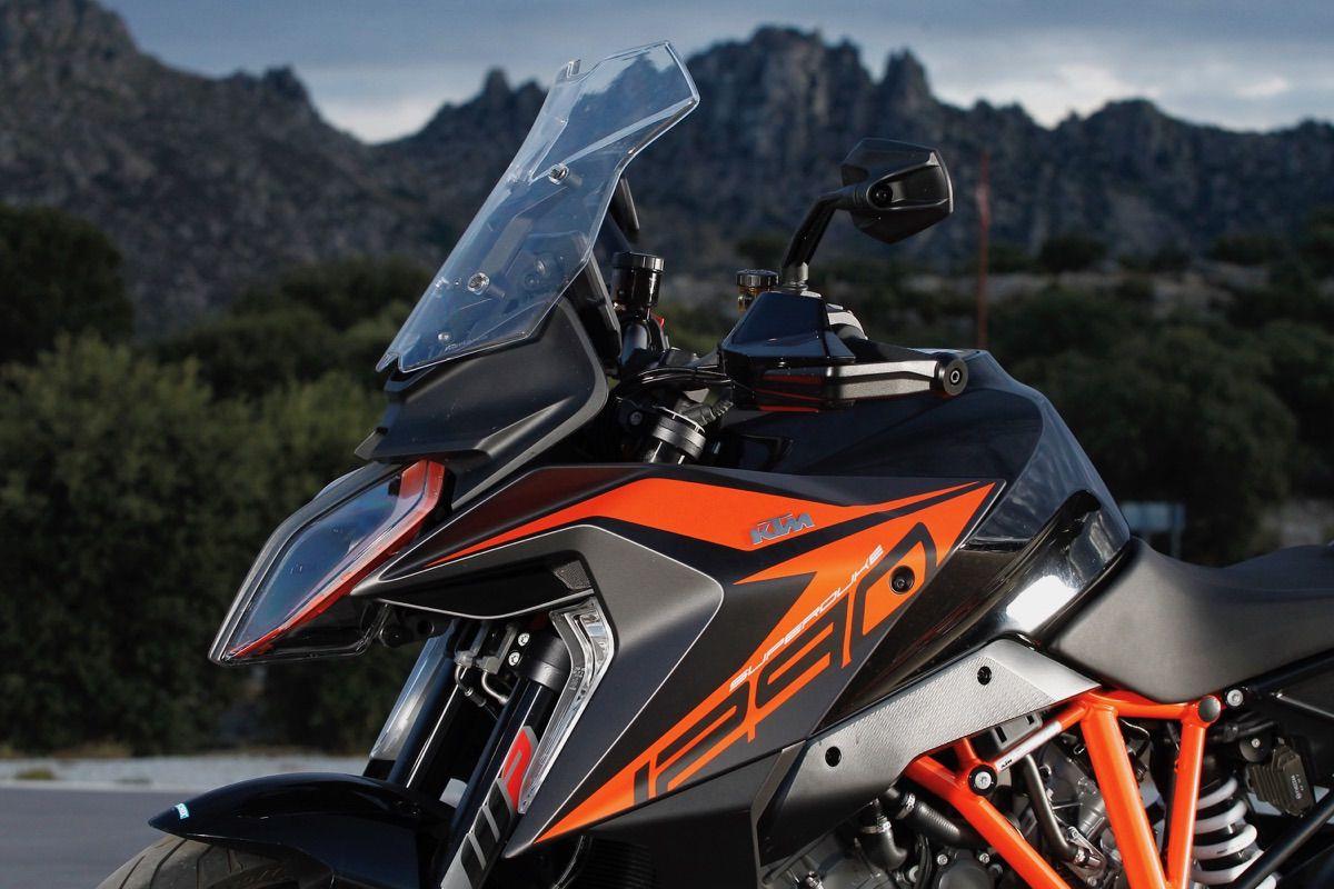 moto ktm 1290 Super Duke GT pantalla
