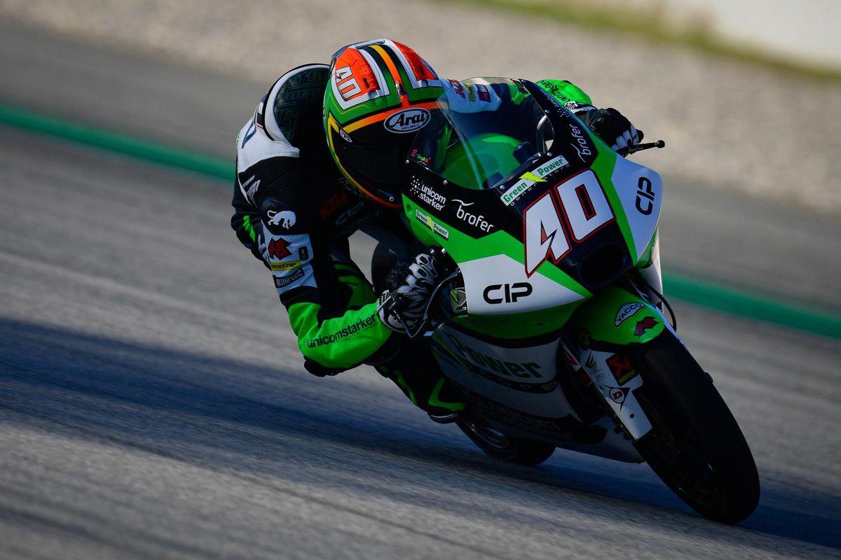 Moto3 en Montmeló: Binder se estrena y Ogura lidera en arenas movedizas