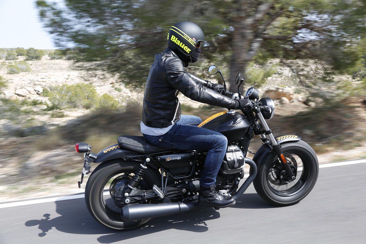 Prueba Moto Guzzi V9 Bobber Dark Custom Moto1pro