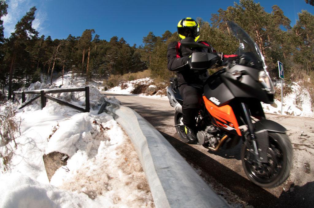 Conducción de la moto en invierno