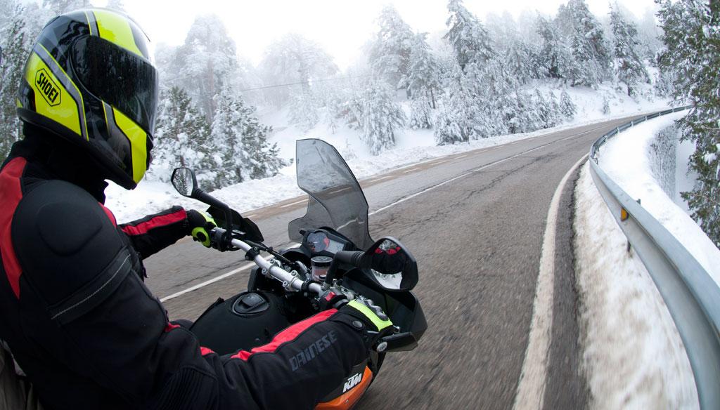 Informe: Equipamiento y conducción de moto en invierno